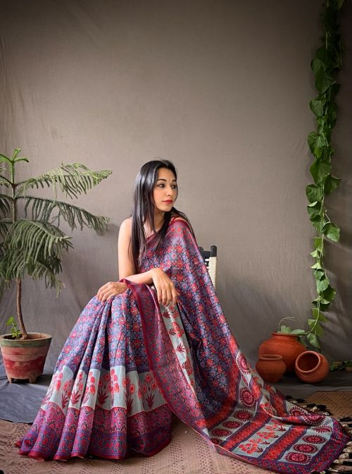 42 The Beautifully Crafted Digital Pallu And Contrast